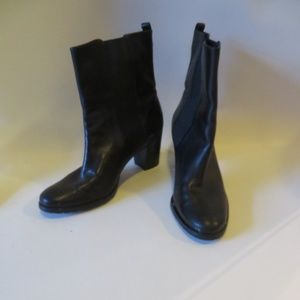 COLE HAAN PULL-ON LEATHER ELASTIC BOOTIES 9.5 *
